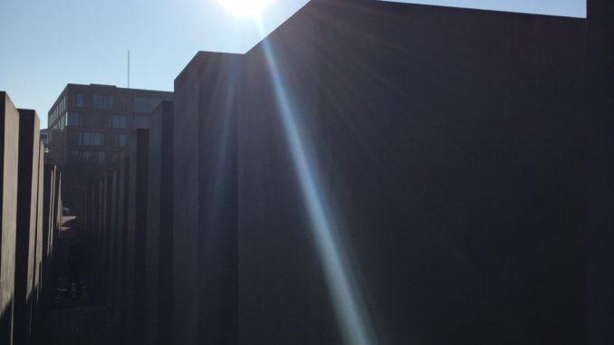 Holocaust Mahnmal in Berlin Foto von Hussam Al Zaher