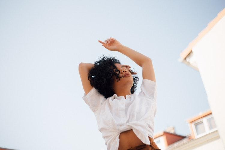 Mina möchte einfach nur frei leben und arbeiten. Foto: Julian Schröpel via Unplash unter CC0-Lizenz