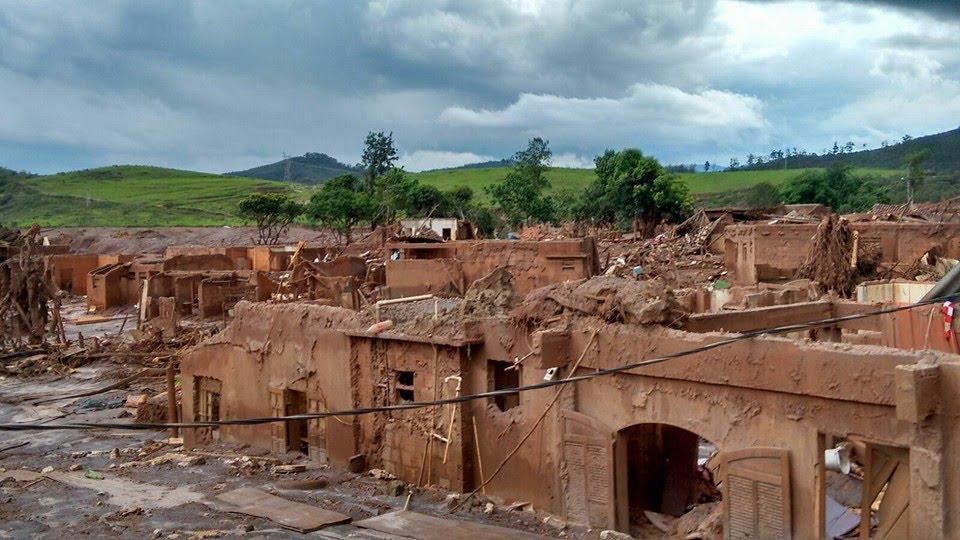 Der Bezirk Bento Rodriges nach dem Erzdammbruch in Mariana. Foto: Douglas Sant 'Anna