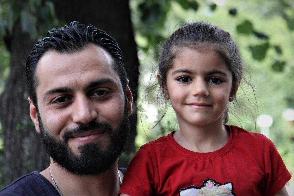 Mohamad aus Syrien mit seiner Tochter