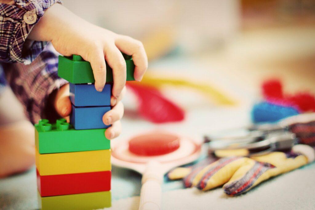 Kita, Kindergarten, Kind spielt
